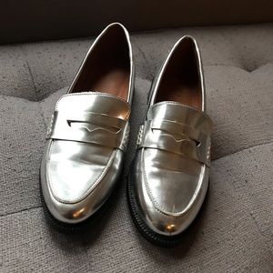 Shoes in Metallic Silver